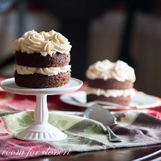 Mini Applesauce Spice Cakes