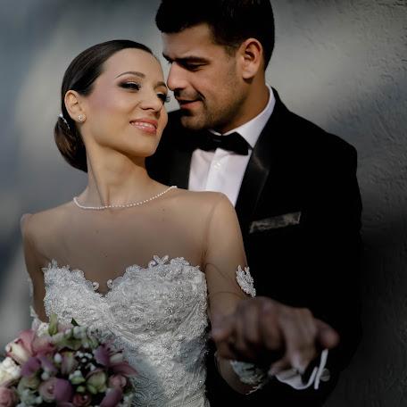 Fotógrafo de bodas Hadzi dušan Milošević (oooubree). Foto del 27.12.2017
