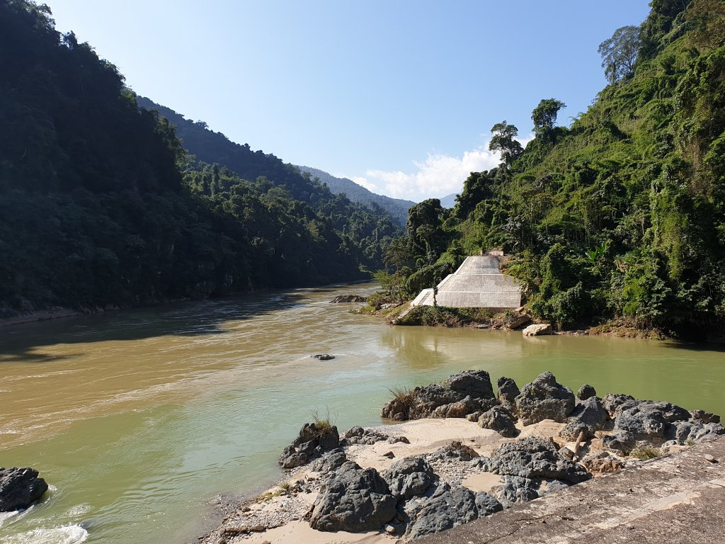 So sánh người lái đò sông Đà và ai đã đặt tên cho dòng sông- CungHocVui