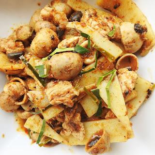 Stir Fried Spicy Thai Puffball Mushroom With Pork.