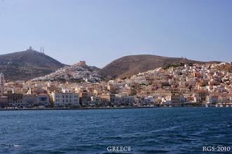 Photo: Ermoupoli ist die Hauptstadt auf der Insel Syros Segelturn-Griechenland-2010