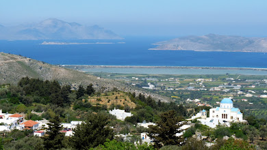 Photo: View of Kalymnos and Pserimos islands and Alykes lake, from Zia, Kos. Vista delle isole Kalymnos e Pserimos e del Lago Alykes, dalle colline di Zia, Kos.
