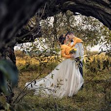 Wedding photographer Oleg Koval (KovalOstrog). Photo of 14.10.2014