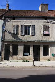 Maison 10 pièces 135 m2