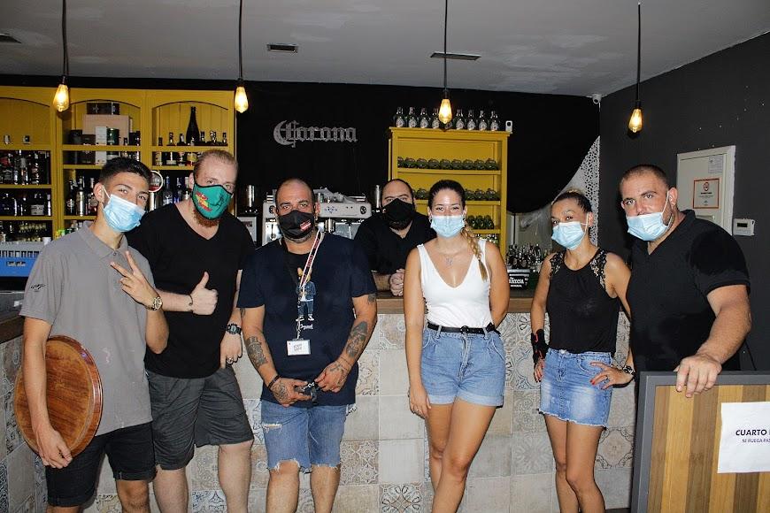 Los grandes profesionales de hostelería de Náutica, en la Plaza del Mar, en El Toyo.