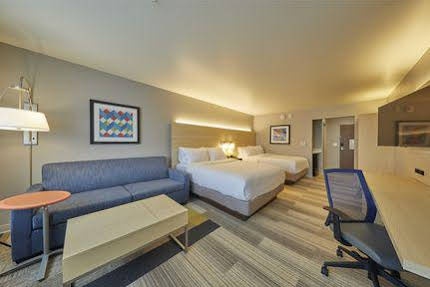 Holiday Inn Express and Suites Hermiston Downtown