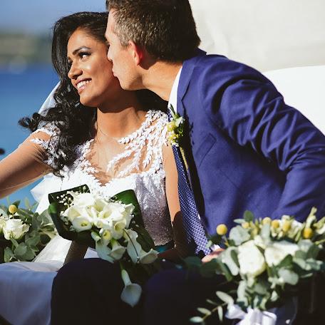 Wedding photographer Sam Tziotzios (timenio). Photo of 13.10.2017