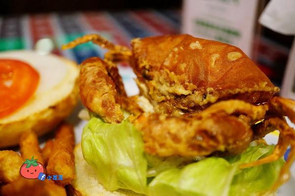 板橋新埔美式餐廳 一整隻蟹蟹堡出沒! 軟殼蟹堡 活西美式餐飲WORTHY 近致理科技大學~