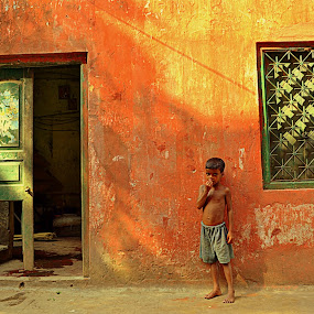 Alone in Frame by Sandip Ghose - Buildings & Architecture Other Exteriors ( pwcopendoors )