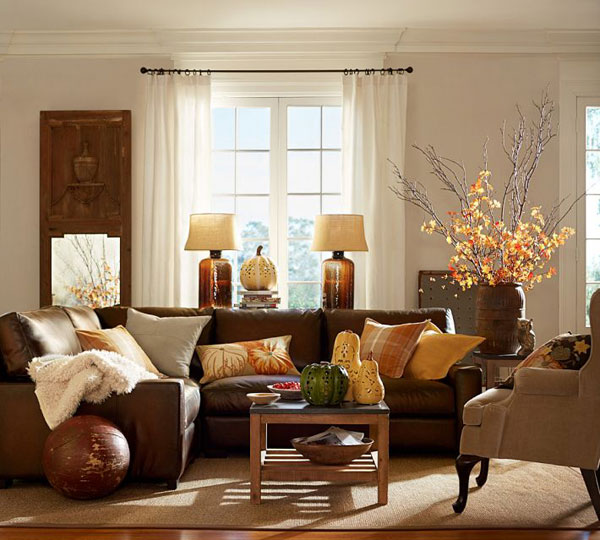 Neutral tones for fall decoration