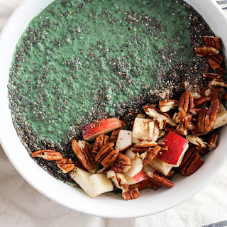 Apple Blue Green Smoothie Bowl (with spirulina!)