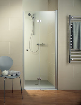 Porte de douche pivotante-pliante en niche