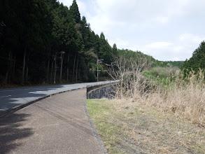 歩道を大野寺へ