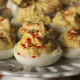 MIRACLE WHIP Spicy Deviled Eggs.