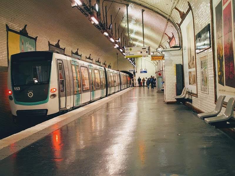 パリメーデーデモの場所・メトロの閉鎖駅(メトロ駅)