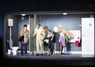 Photo: Wien/ AKADEMIETHEATER: BELLA FIGURA von Yasmin Reza. Inszenierung: Dieter Giesing. Premiere: 3. 4,2016. Kirsten Dene, Roland Koch, Caroline Peters, Joachim Meyerhoff. Copyright: Barbara Zeininger