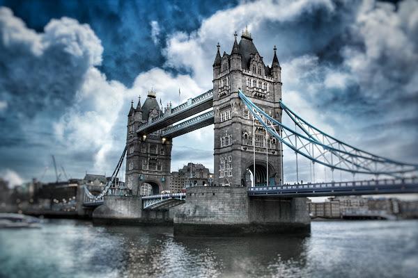 Nuvole su Londra  di Barbara