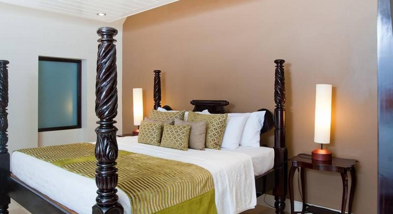 Island Inn Hotel