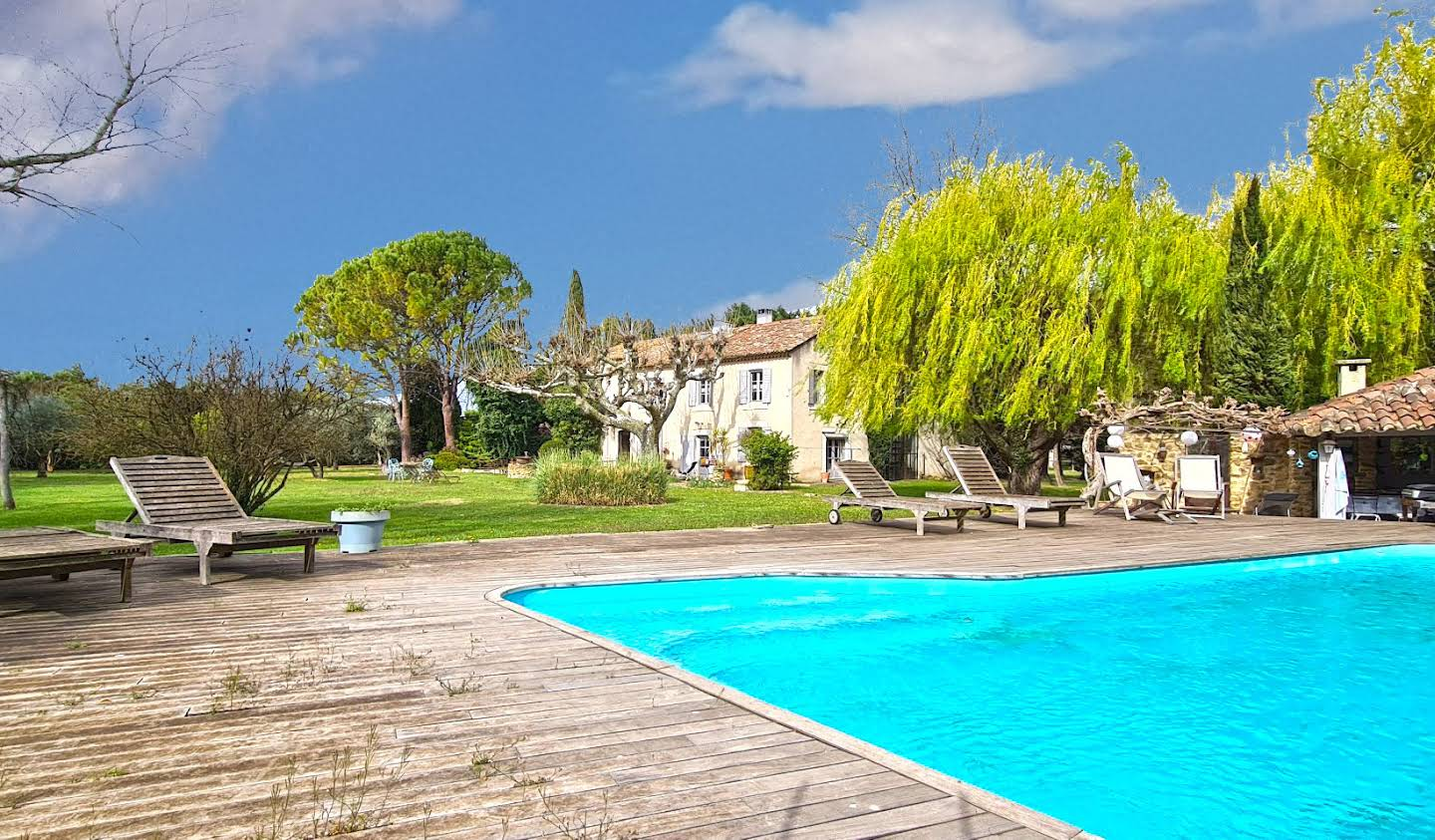 Property with pool Althen-des-Paluds