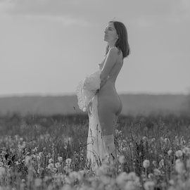 Dream about spring by Dmitry Laudin - Nudes & Boudoir Artistic Nude ( spring, warm, beauty, nude, girl, sunny )