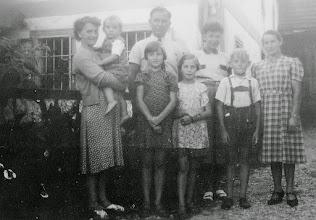 Photo: Familie Vorauer - die früheren Hausbesitzer von Nr. 128