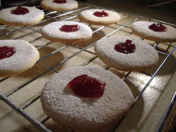 Moreish Cookies With Jam
