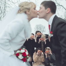 Wedding photographer Anastasiya Petrova (fotobeze). Photo of 10.03.2014
