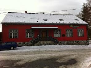 Photo: Rodný dům Ondráše v Janovicích. Dnes je v něm hostinec, který nese jeho jméno.
