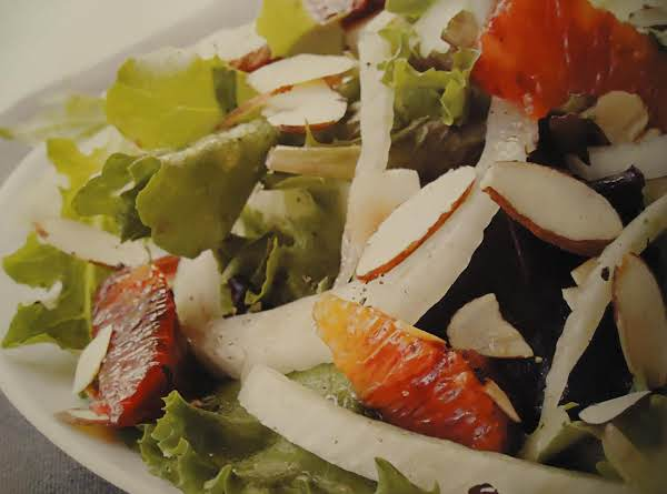 Delicious Mixed Green With Fennel And Citrus Salad