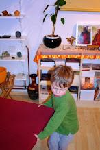 Photo: příprava podložek - preparing seating mats