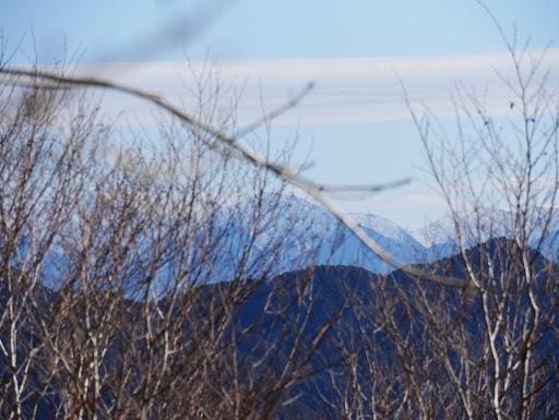 奥に中央アルプス(木曽駒ヶ岳など)
