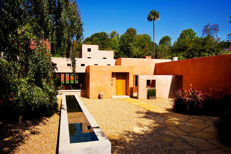 Dosis arquitectura un sencillo rancho familiar for Diseno exterior casa contemporanea