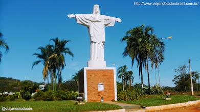 Photo: Cassilândia - Estátua em homenagem ao Cristo