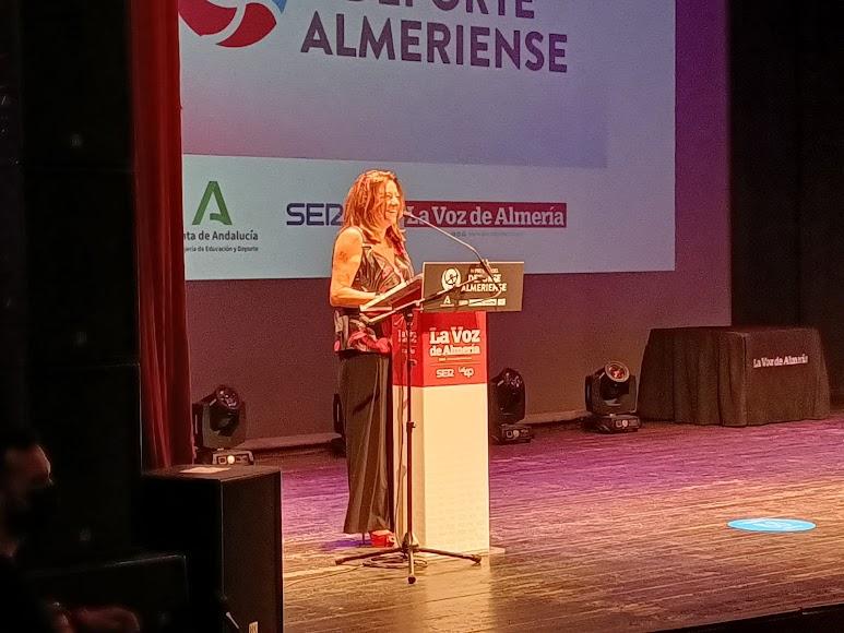 María del Carmen Castillo, viceconsejera de Educación y Deporte, última intervención de la gala en el Cervantes.