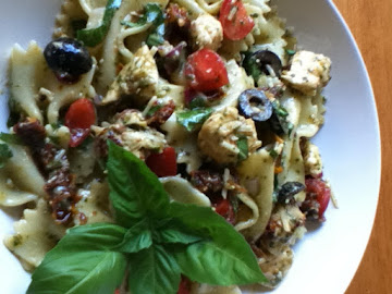 Susan's Tomato Basil Chicken Pasta Salad Recipe