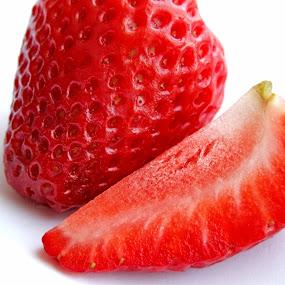 by Oleg Verjovkin - Food & Drink Fruits & Vegetables ( berry, fruit, strawberries, pwcvegetablegarden-dq )