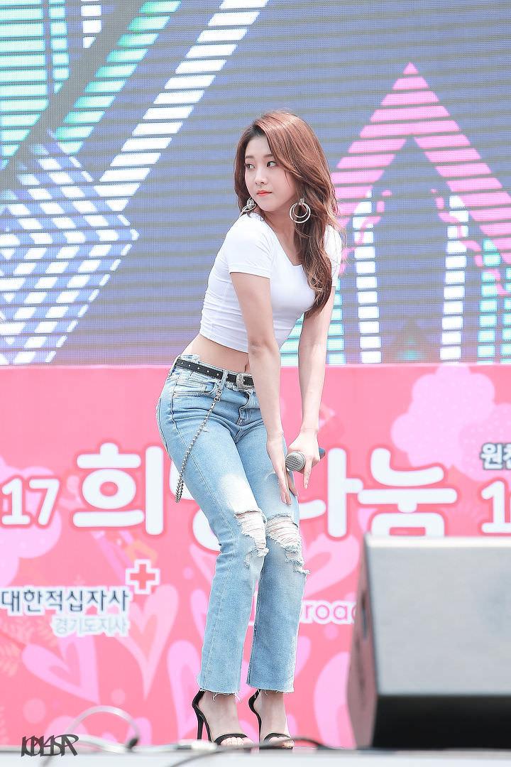 seungyeon body 19
