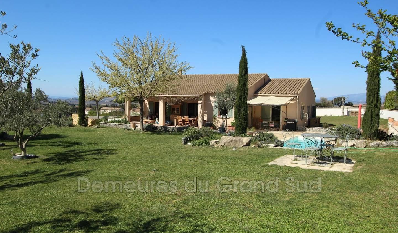 Villa with terrace Gigondas