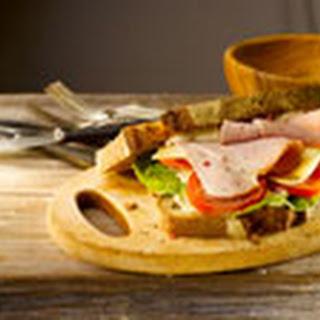 Boerensandwich Met Gegrilde Ham, Kaas En Tomaat