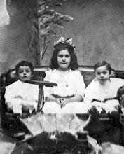 Photo: Pauline, Minnie, and Leo Markheim