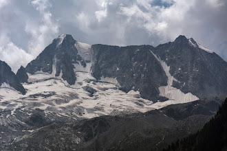 Photo: Cima Presanella 3558 m(po lewej) i Cima di Vermiglio 3458 m(po prawej)
