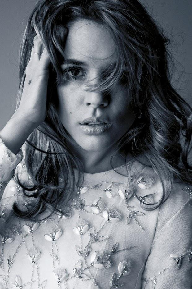 Адриана Угарте в фотосессии Каннского фестиваля-2016