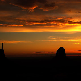 Sunset in Monument Valley 3 by Amory Godwin Grijaldo - Landscapes Mountains & Hills ( pwcredscapes )
