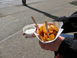 Photo: Street fries with garlic sauce