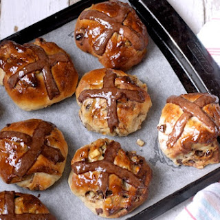 Hot Cross Buns with Dark Chocolate, Orange and Ginger