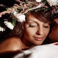 Wedding photographer Alena Rodovskaya (mexx07). Photo of 30.10.2013