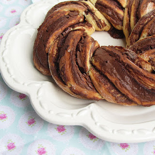 Nutella and Clementine Bread Crown.