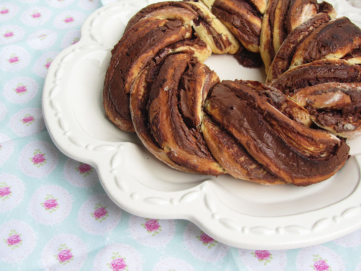Nutella and Clementine Bread Crown Recipe