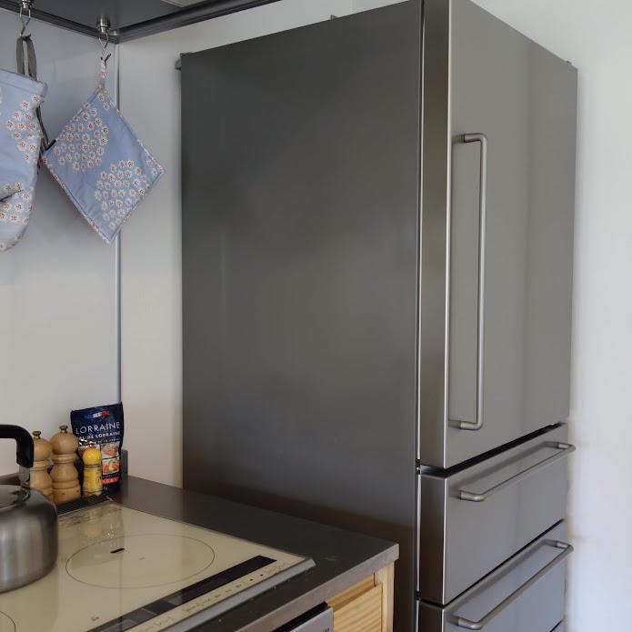 無印良品 ステンレス冷蔵庫 側面