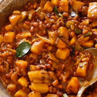Spiced Red Beans and Green Banana — Kaya Vanpayar Mezhukkupuratti